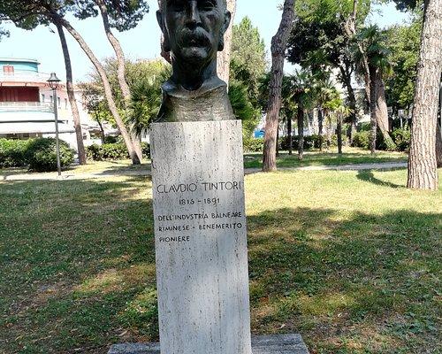 Бюст Claudio Tintori в Parco Federico Fellini