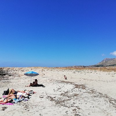 Beautiful quiet, sandy beach. It has a small café and even a training park. Unlike the beaches i