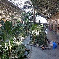 Atrium inside the train station!!