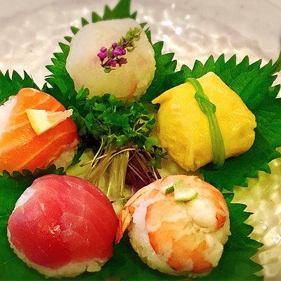 Enjoy beautiful tasty BALL SUSHI!!
