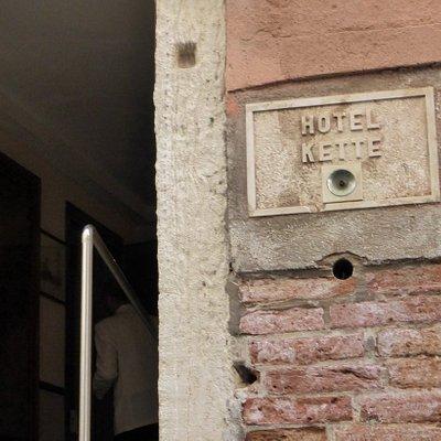 прогулка по каналам на гондоле Row Venice