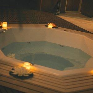 CSC Wellness Center cuenta con un área de jacuzzi y sauna para complmentar tu visita.