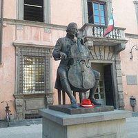 Monumento a Luigi Boccherini