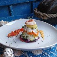 Cappon magro, piatto povero della tradizione Ligure fresco e saporito