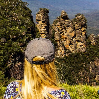 Checkout the views of Three Sisters in the Blue Mountains with Autopia Tours