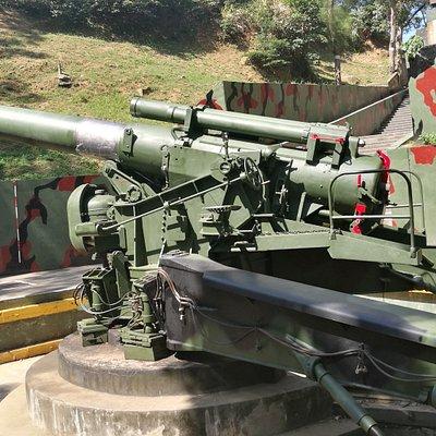 另一個角度的240榴彈砲