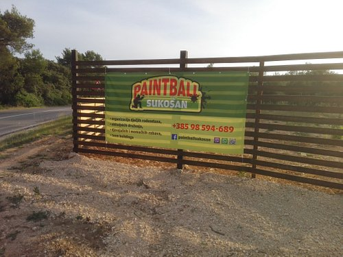 Baner on the entrance,with parking spot