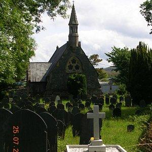 Holy Trinity Church & Graveyard (Penrhyn)