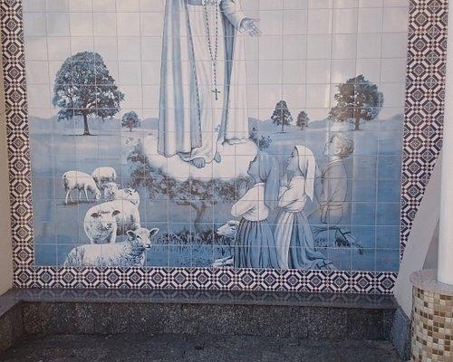 Nossa Senhora De Fátima e os três Pastorzinhos!