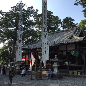 毎年7月15日頃に祭礼の祇園祭があります。 この神社の奉納舞に蟷螂(とうろう、カマキリのこと)の舞というのがあり、京都の祇園祭の蟷螂山とつながりがあるとのこと。京都では途絶えてここに残るのみと