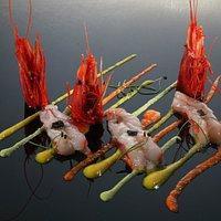 Gamberi rossi crudi caldi con sfumature di peperone