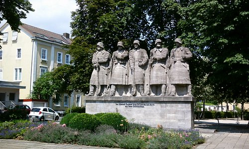 Ein Denkmal als Mahnung, an den Wahnsinn des Krieges.