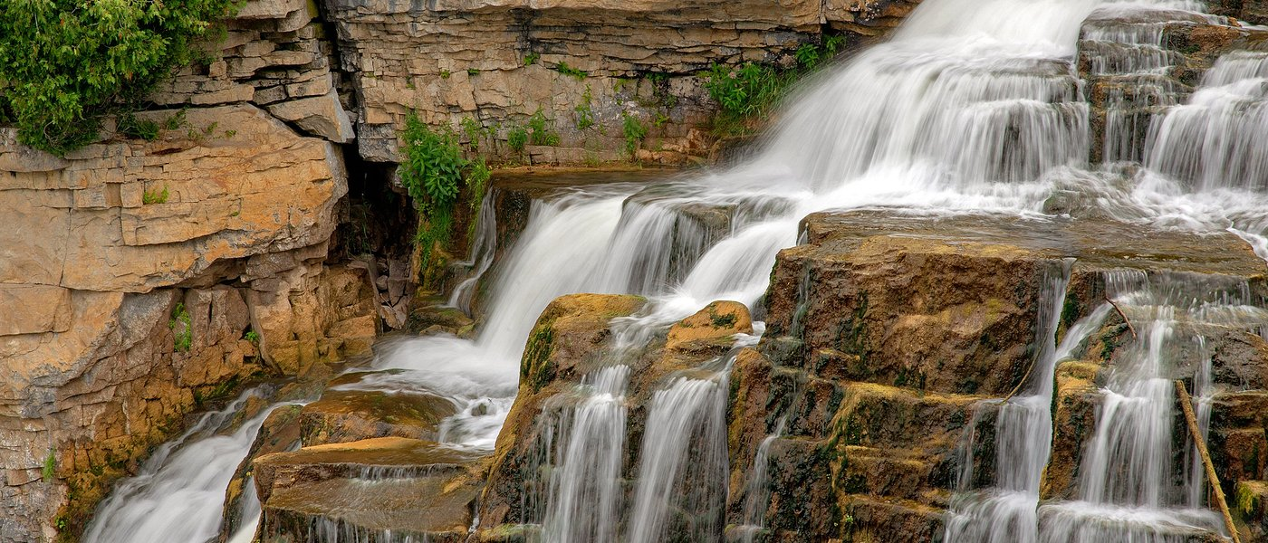 Inglis Falls, longer lens, tripod
