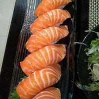 Nigiri, tataki and teriyaki steak...