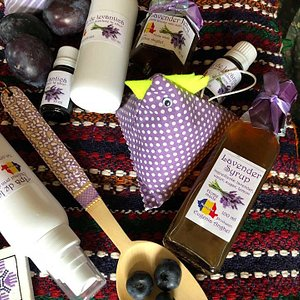 Authentic presents made by local producers or artists, fresh organic fruits, homemade jam or syr