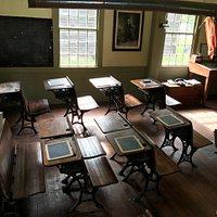 Tour of the Thomas Lee House and Schoolhouse