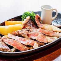道產亞麻仁牛のステ-キランチ 2,000 YEN