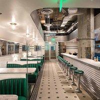 Ari's Diner