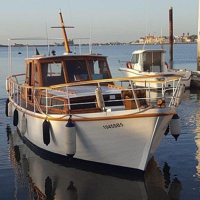 Sobre os nossos barcos, e os nossos sunsets.