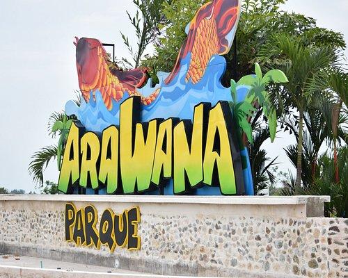 Entrada principal del parque Arawana