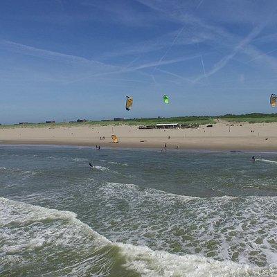 Learn to kitesurf in Scheveningen. Kitesurfles.nl
