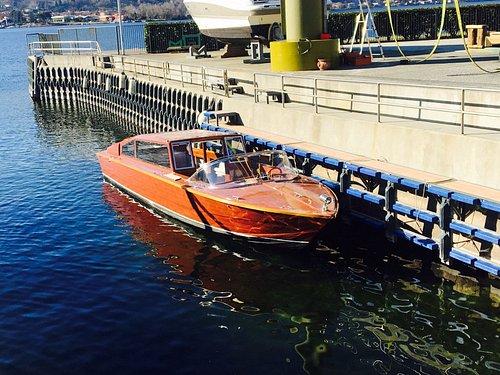 taxi veneziano in legno
