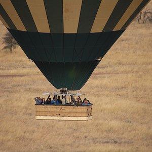 Hot Air Balloon Safari in Serengeti with Le Safi Adventure.