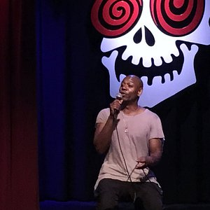 Dave Chappelle at the Laughing Skull Lounge