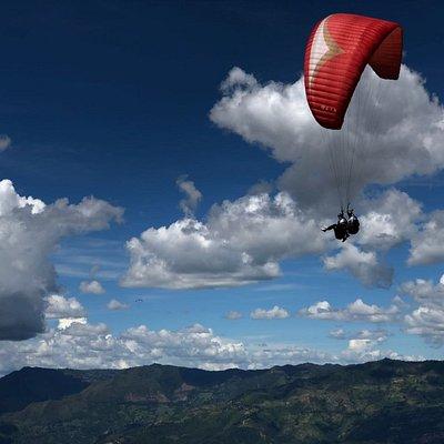 www.dreamflyingparagliding.com