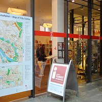 表には、わかりやすい旧市街の地図を掲示