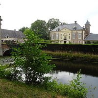 Diepenheim;wandelbos rond Huis Diepenheim uit 1648-1685