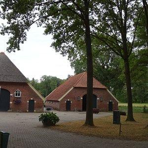 19de eeuwse boerderijen op het Landgoed Nijenhuis uit 1656;