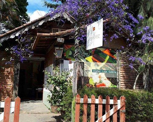 Frente da loja Fefafez e Parceiros em Araras, Petrópolis