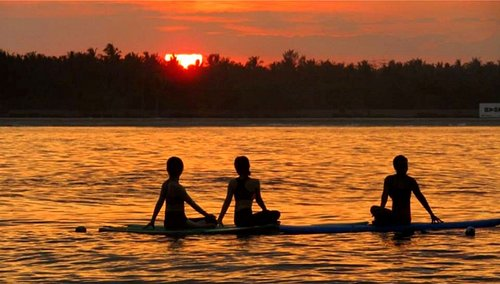 Sunrise SUP Yoga at gili Trawangan - Lombok Indonesia