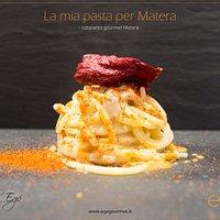 Spaghettone, Caviocavallo Podolico, guanciale di maialino nero, riccio di mare e Peperone Crusco