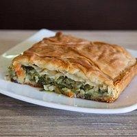 Χορτόπιτα. Εξαιρετική γεύση με τα αρώματα της ελληνικής φύσης.