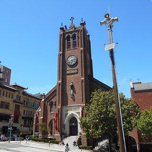 教会前の広場から見た風景