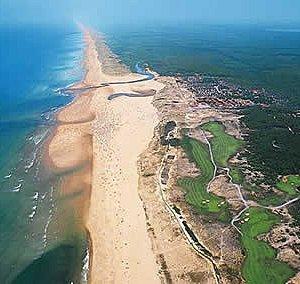 Photo de la plage principale de Moliets et Mâa