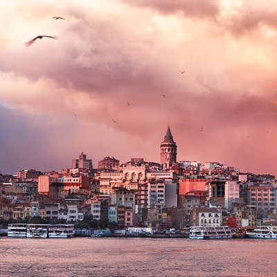 Storm clouds are covering the sky on Golden Horn of Istanbul. © Enis Yücel.