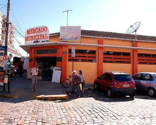 Frente do Mercado Municipal de São Lourenço