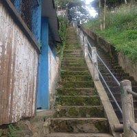 Escadaria de acesso à praia