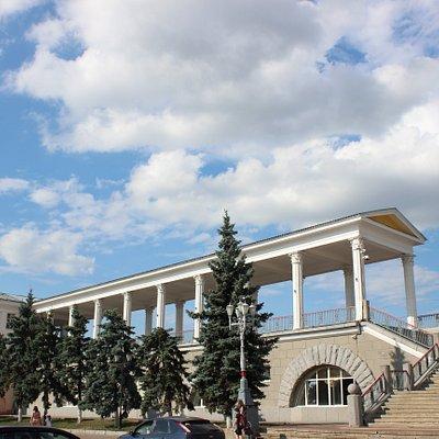 Здание железнодорожного вокзала