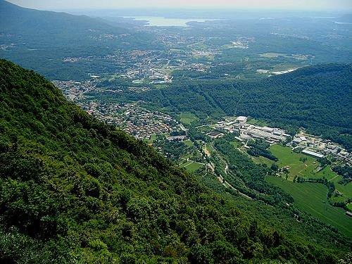 Vista su Cittiglio lago di Varese