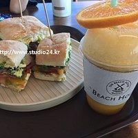BLT 샌드위츠 + 비치하우스 오렌지 크러쉬