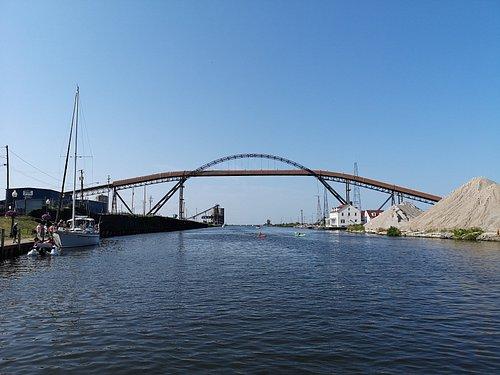 Un des ponts en dessous duquel vous pouvez passer en kayak
