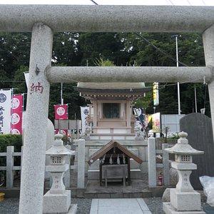 小さいけど素敵な神社です。