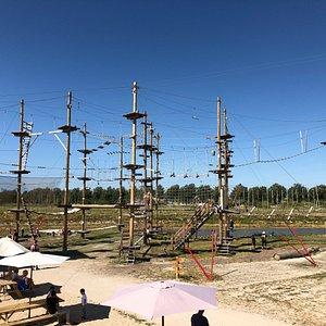Super leuk, nieuw klimpark in de Haarlemmermeer. Diverse klimroutes, heel vriendelijke medewerke