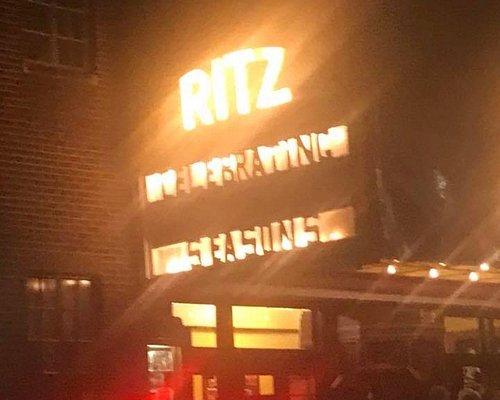 Ritz Sign in the Rain Beckons Lovers of Community Theatre to Enjoy a Play