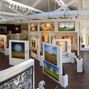 Gallery Interior - Stunning Paintings from all over the world!