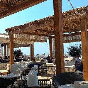Aqua bar in Lalzit for chilling